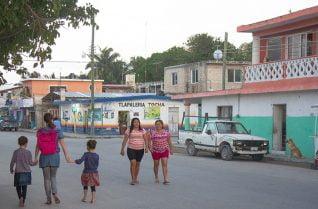 Voyage au Yucatàn, rues de Chelem, Mexique