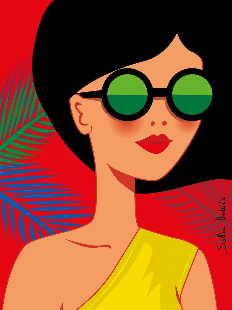 femme héroïne lunettes